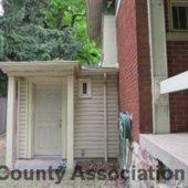 3039-Side entrance coat room